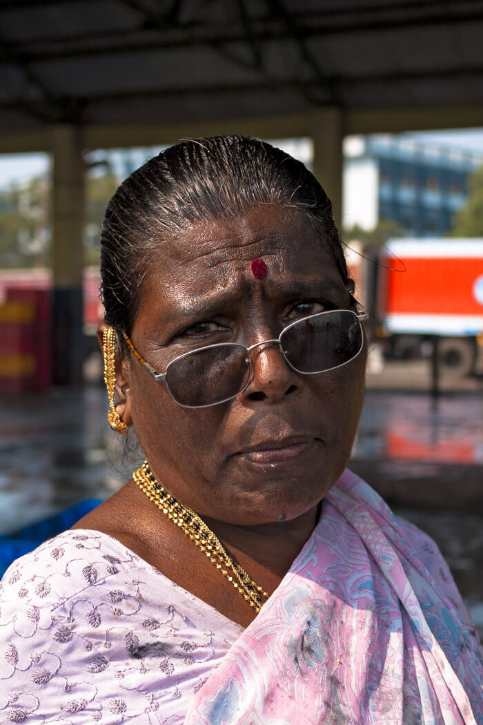 woman portrai Fish market Mumbai Sasson Docks