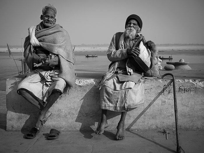 Sadhu santone indiano a varanasi