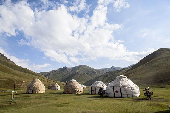 campo di yurte in Tajikistan