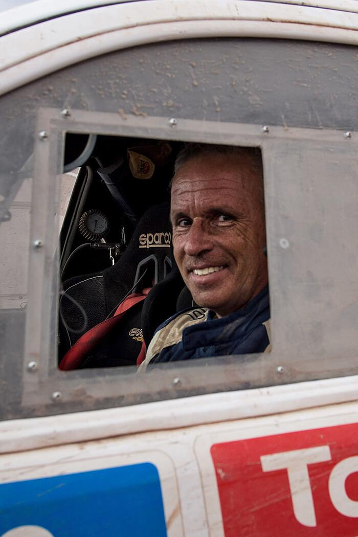 pilota alla Dakar in Argentina
