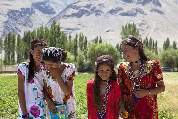 reportage Asia Centrale - scuola vicino il confine afghano